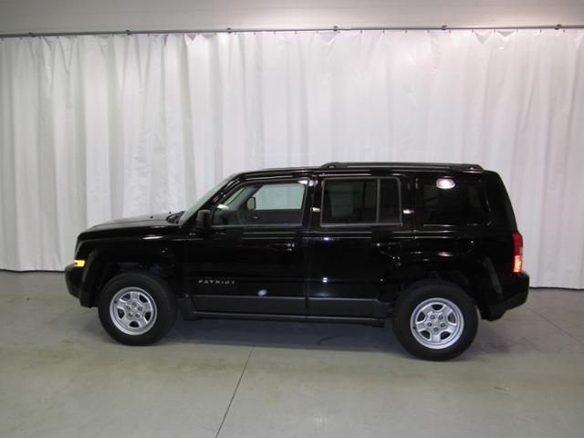 Pre-Owned 2017 Jeep Patriot Sport